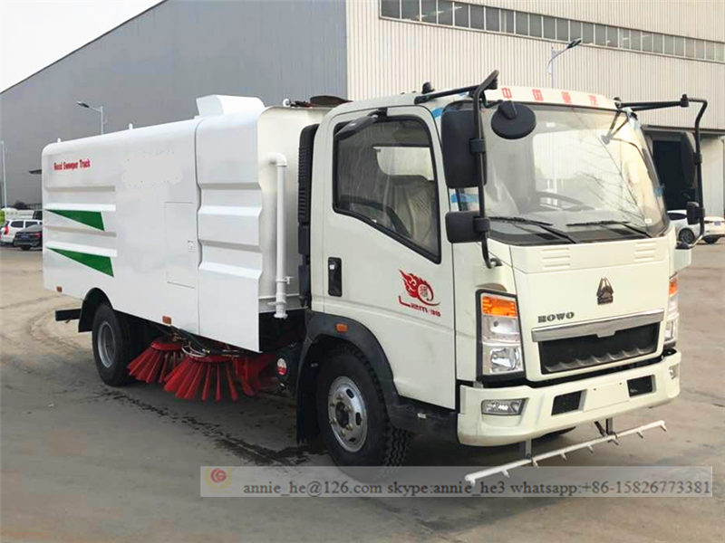 Sino road sweeper truck