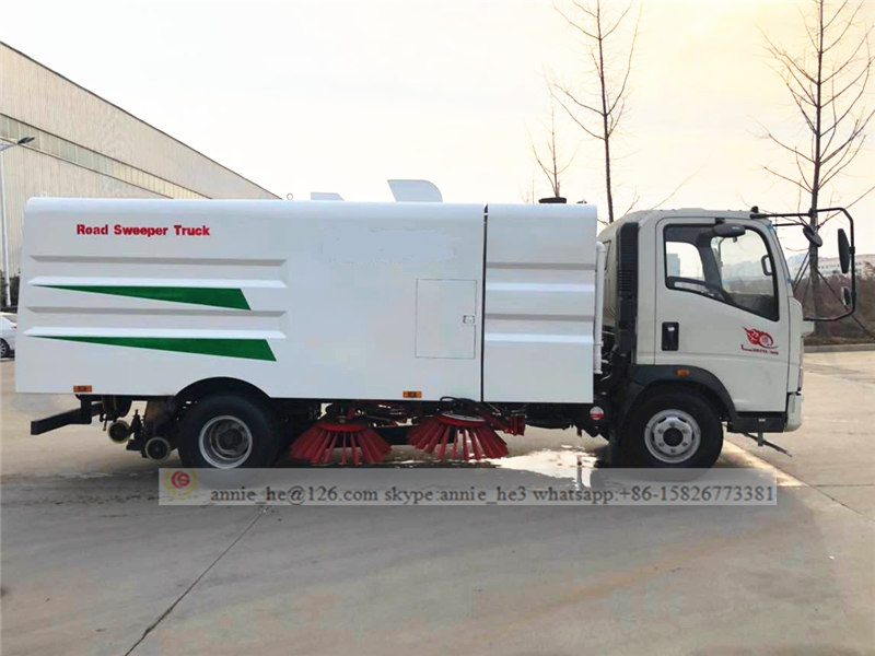 Howo sweeper truck