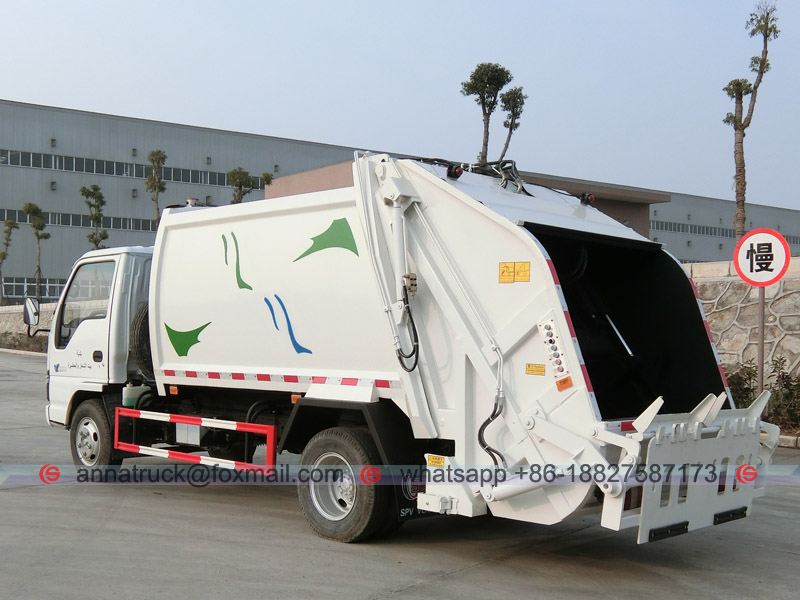6CMB ISUZU Compactor Garbage Truck - Left Back