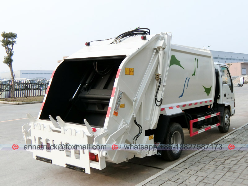 6CBM Compactor Garbage Truck - Right Back