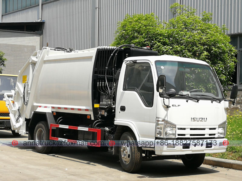 4 cbm Compressed Garbage Truck-Right Front