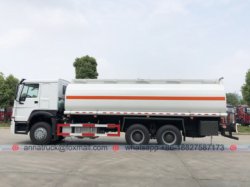 25,000 Liters Fuel Tanker Truck with SINOTRUK HOWO 5