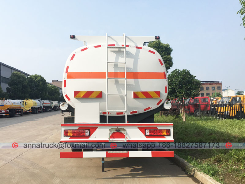25,000 Liters Fuel Tanker Truck with SINOTRUK HOWO 6