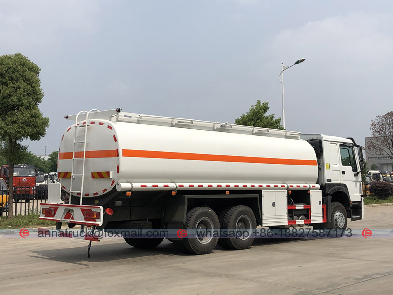 25,000 Liters Fuel Tanker Truck with SINOTRUK HOWO