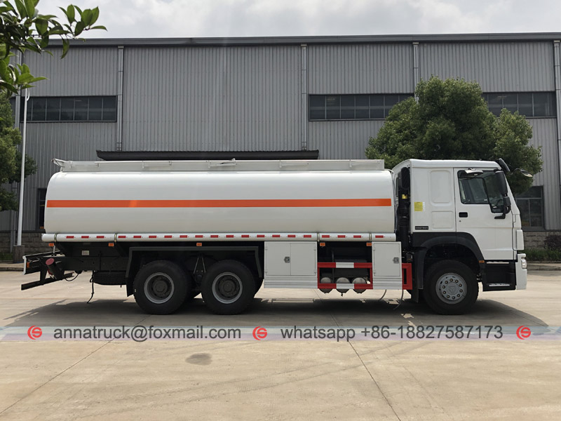 25,000 Liters Fuel Tanker Truck with SINOTRUK HOWO1