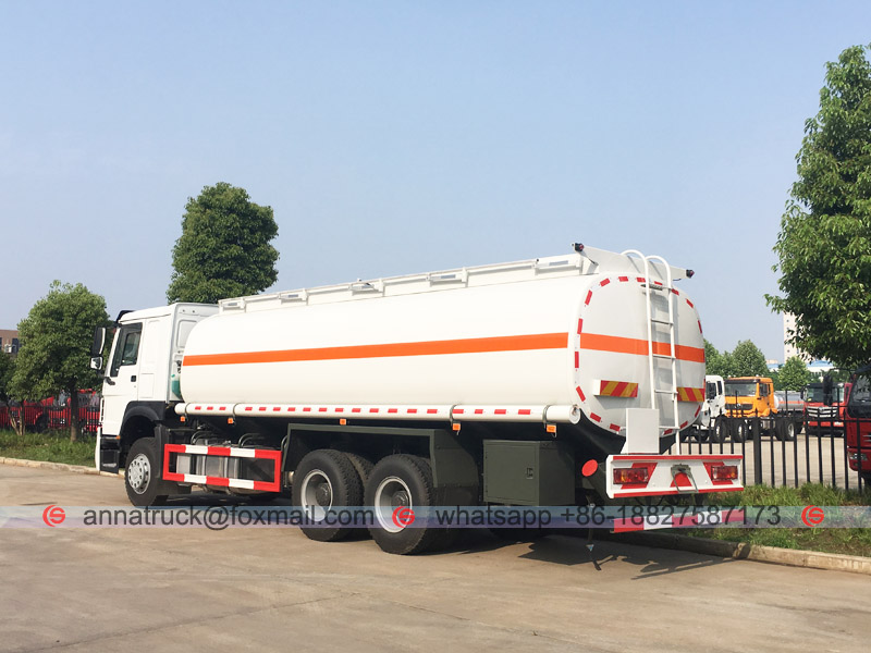 25,000 Liters Fuel Tanker Truck with SINOTRUK HOWO 3