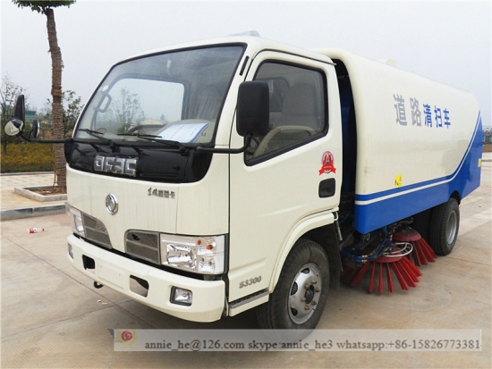 4000 Litres Light Road Sweeper Truck