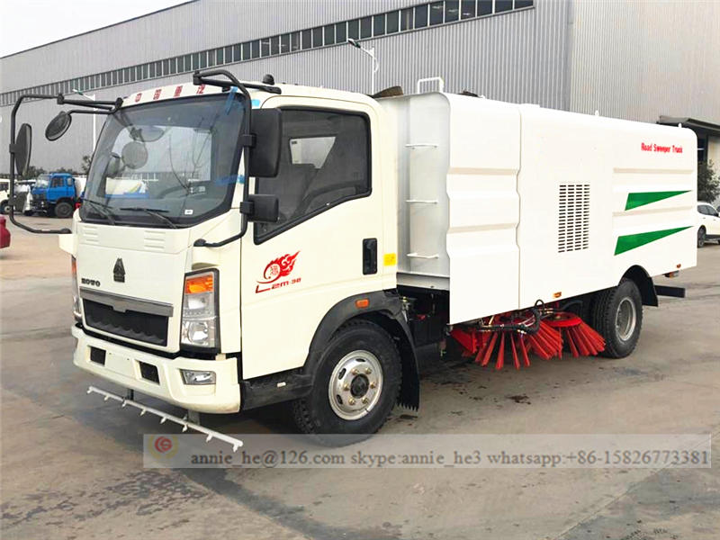 Road cleaning truck 4*2 HOWO