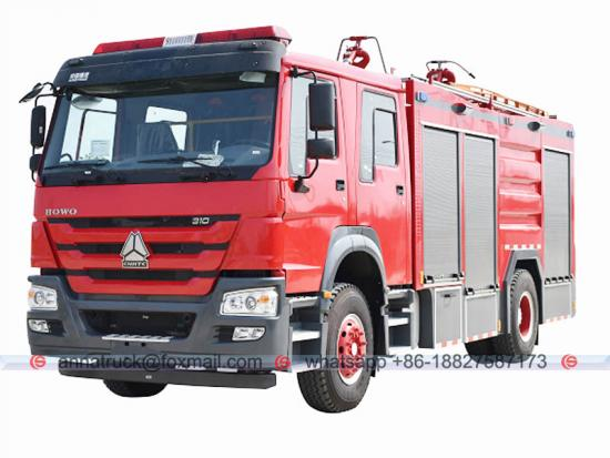 Water Foam Dry Powder Combination Fire Truck